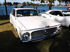 Valiant blanche 1964 / 1964 white Valiant - 9 septembre 2012.