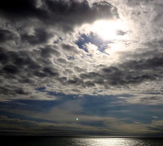 cel, mar i dos sols