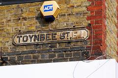Toynbee St E1