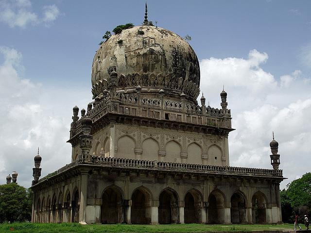 A Qutub Shahi tomb