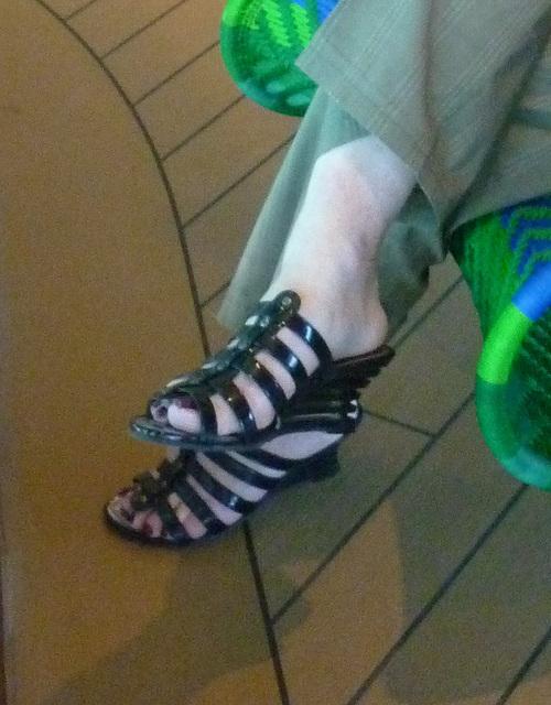 Christiane en talons hauts / Christiane in high heels - 30 juin 2011