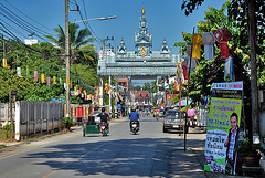 Way into the town of Mae Sariang