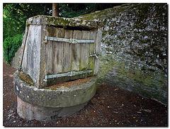 Brunnentür