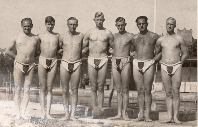 6afa34aba9c ipernity: waterpolo in Dreiecksbadehose 1930' - by kerle-kerle