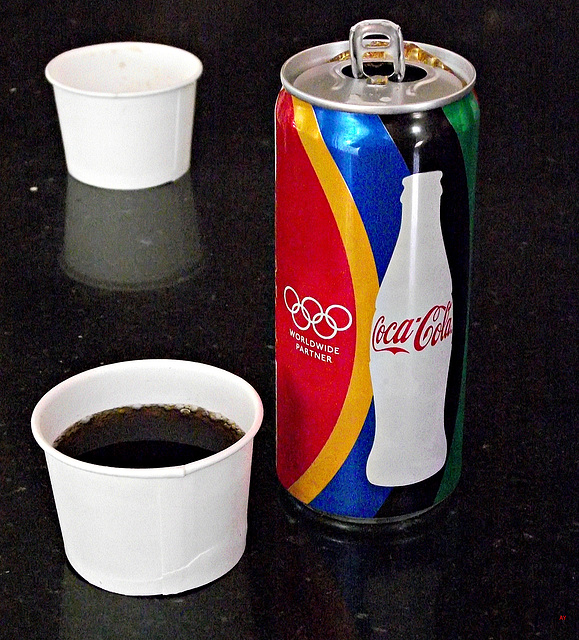 Cups and a can
