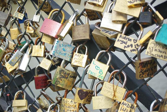cadenas au pont des arts