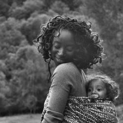 Aya en noir et blanc   : la Côte d'Ivoire