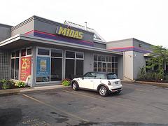 Mini Cooper Midas.