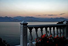 Mirando al mar en Antalya