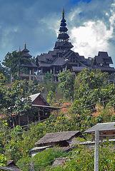 Ban Huai Pho temple