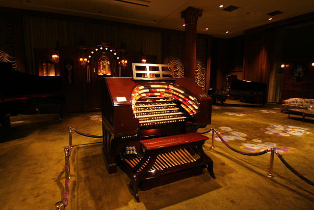 Nethercutt Collection - Wurlitzer Organ (8995)