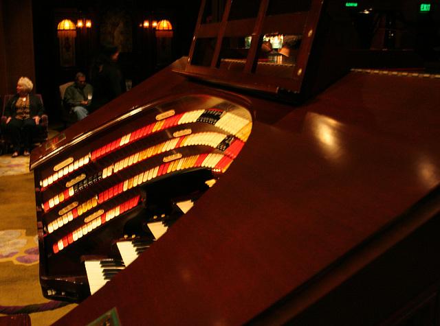 Nethercutt Collection - Wurlitzer Organ (9020)