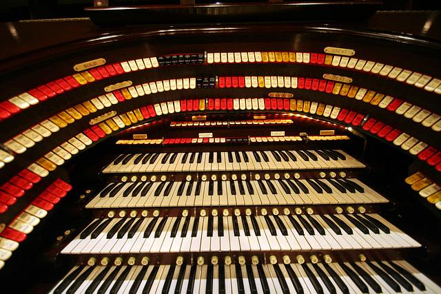 Nethercutt Collection - Wurlitzer Organ (9022)
