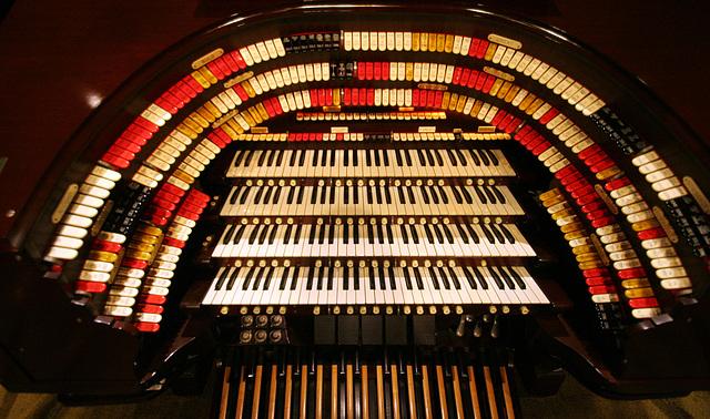 Nethercutt Collection - Wurlitzer Organ (9023)