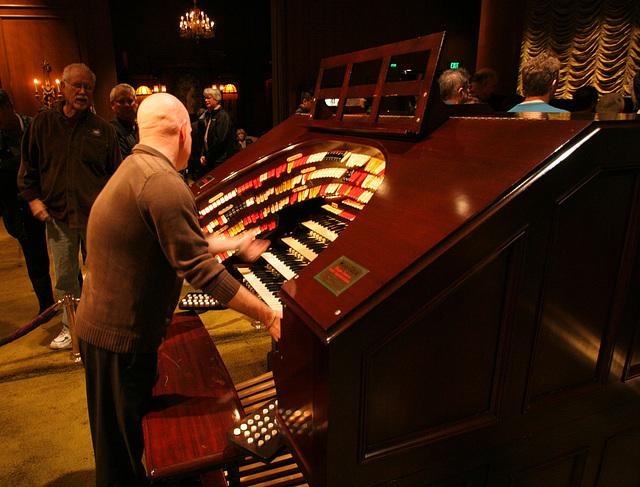 Nethercutt Collection - Wurlitzer Organ (9025)