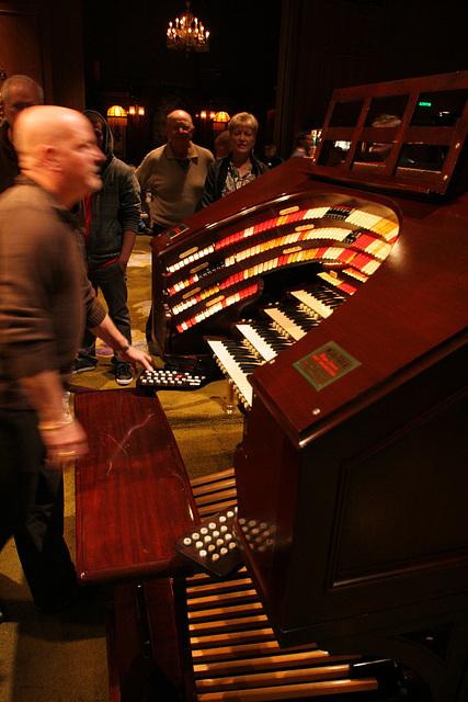 Nethercutt Collection - Wurlitzer Organ (9027)