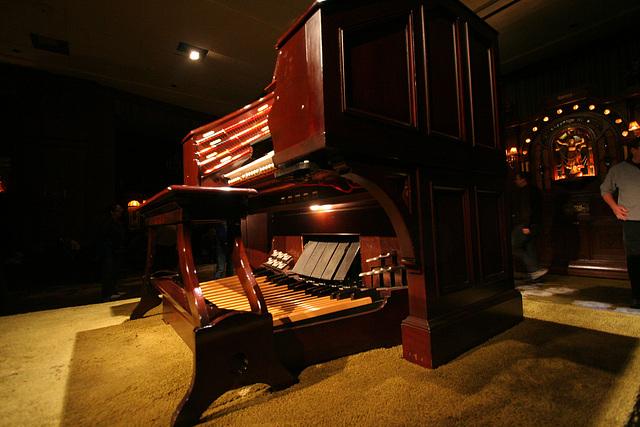 Nethercutt Collection - Wurlitzer Organ (9034)