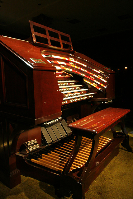 Nethercutt Collection - Wurlitzer Organ (9039)