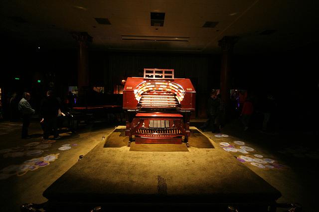 Nethercutt Collection - Wurlitzer Organ (9052)