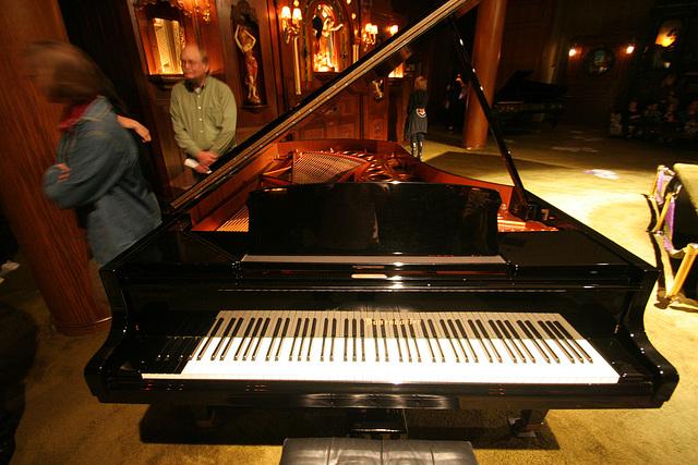 Nethercutt Collection - 96-key Piano (9045)