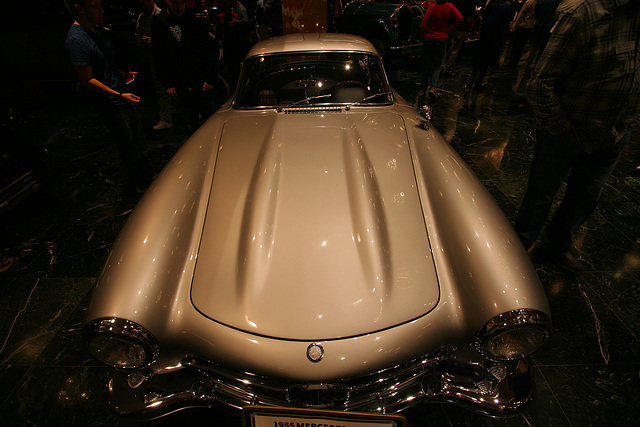 Nethercutt Collection - Mercedes-Benz 300SL Gullwing (8933)