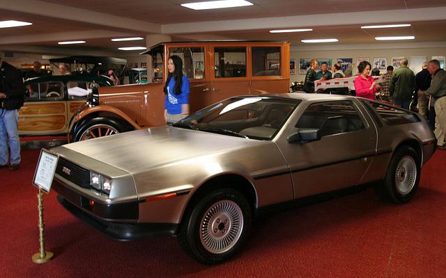 Nethercutt Collection - DeLorean (8910)