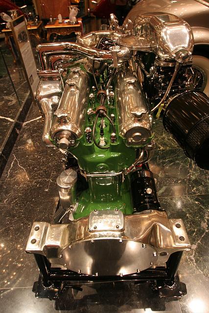 Nethercutt Collection - Duesenberg Engine (8954)