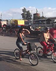 Calèche et Vélos / Bikes and carriage - Recadrage