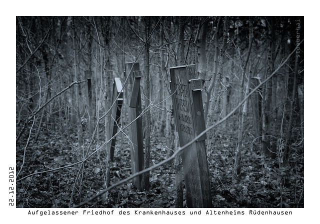 Deconsecrated cemetery in Rüdenhausen