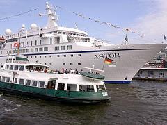 ASTOR und Hafenrundfahrt