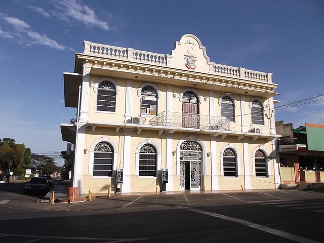 Palacio municipal Edouardo Pedreschi.