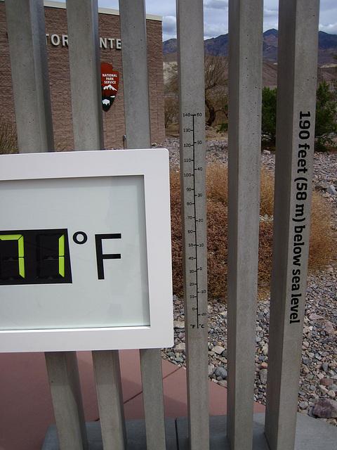 DVNP Visitor Center Thermometer (4214)