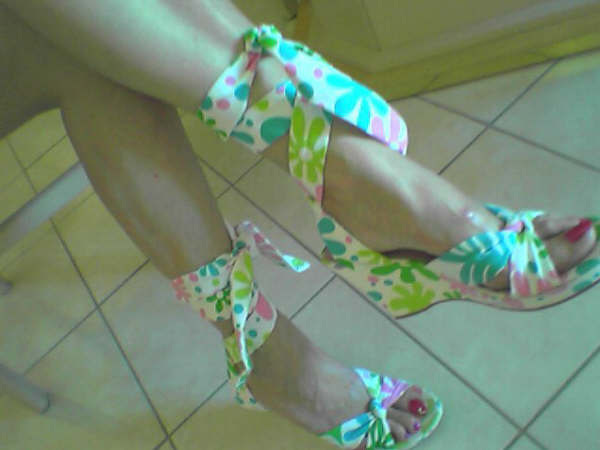 Marlène's sexiest feet / Les Pieds sexy de Marlène.