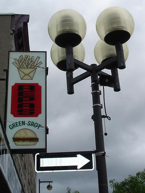 One way on Greenspot restaurant's street lamp  - 4 juillet 2009 / Recadrage