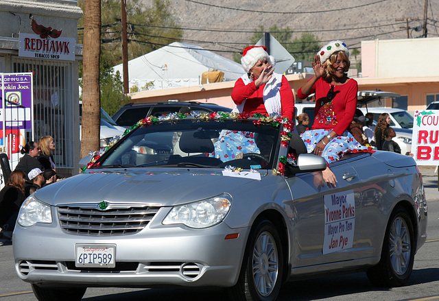 DHS Holiday Parade 2012 - Mayor Parks & Councilmember Pye (7771)