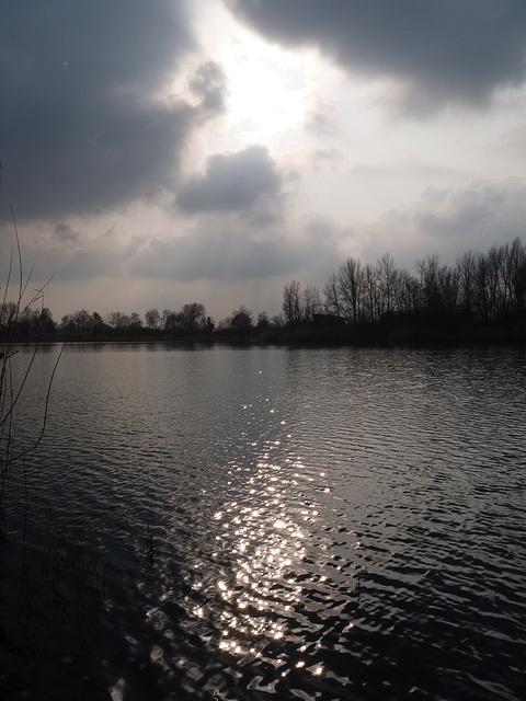 Wolkenlücke und Sonnenreflexionen