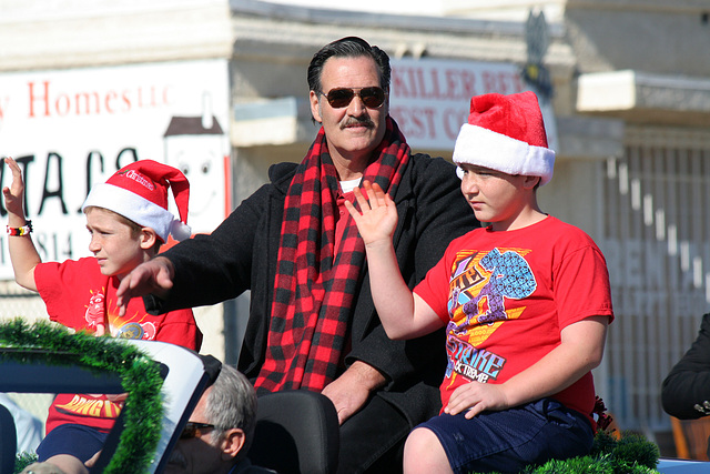 DHS Holiday Parade 2012 - Councilmember Betts (7792