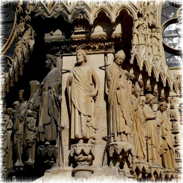 Reims -Fronton de la Cathédrale
