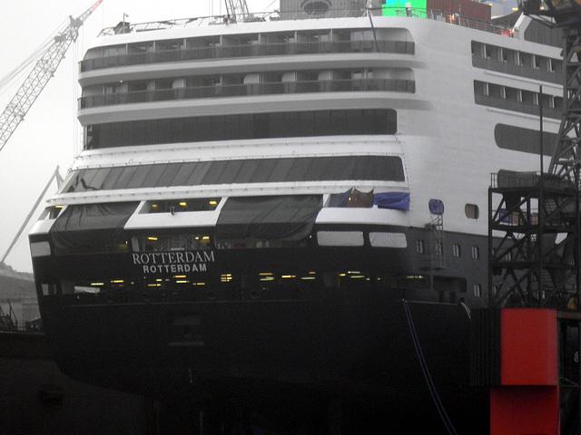 Heck von Kreuzfahrtschiff  ROTTERDAM
