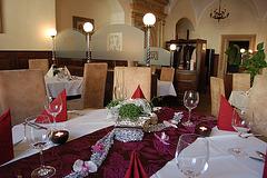 """Altenburgo: restoracio """"Magistrata kelo"""" (Ratskeller)"""