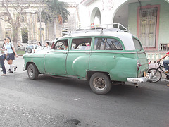 Écolières cubaines et vieux pout pout !