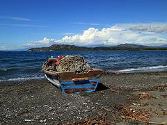 Barca en la bahía