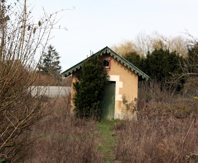cabanon de jardin Issoudun