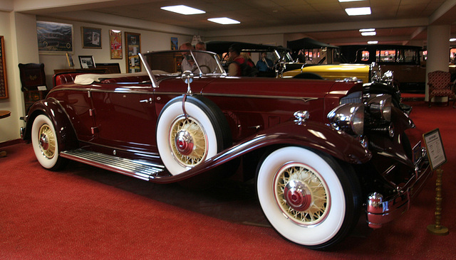Nethercutt Collection - 1932 Packard (8911)