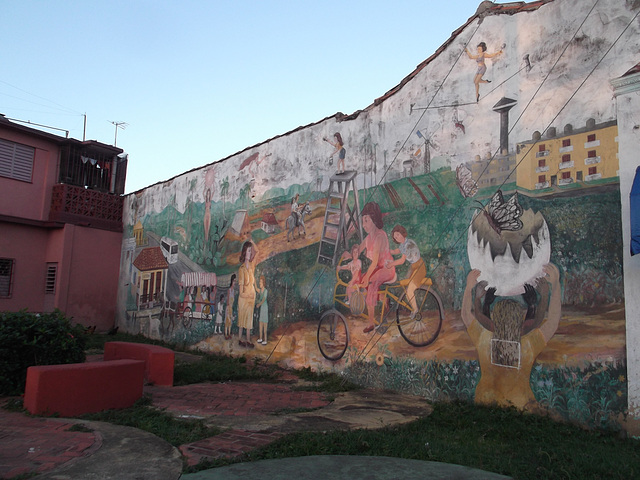 Cuban urban life on wall / Vie urbaine à la cubana sur mur.