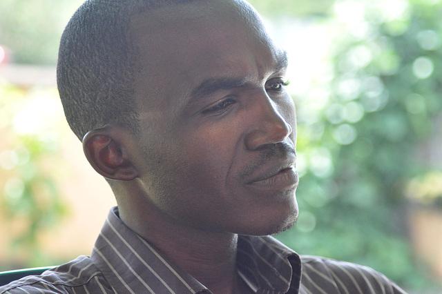Jacques, mia gvidanto tra la tuta Ruando. Afablega, klera, ege rekomendinda homo.