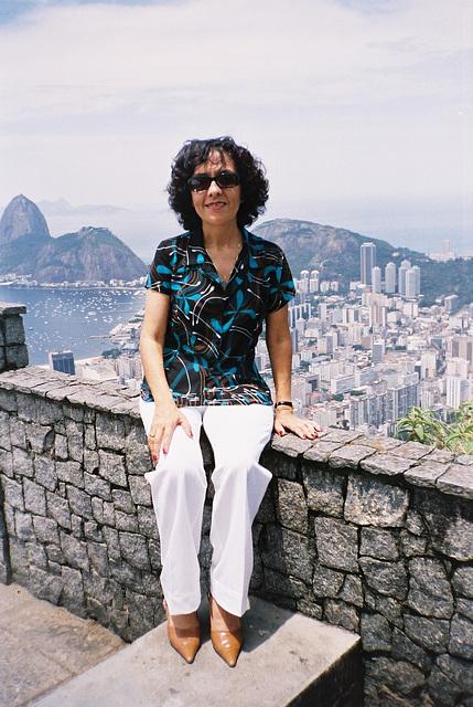 Mon amie / My friend Rita  - Vive les Brésiliennes !!!  19 novembre 2004  / Recadrage.