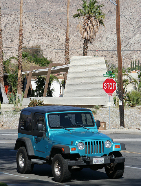 Jeep in Desert Hot Springs (7395)