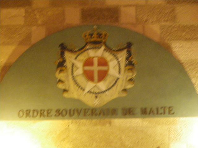 Blason de l'ordre souverain de Malte.