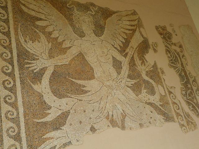 Mosaïque bichrome : triton.